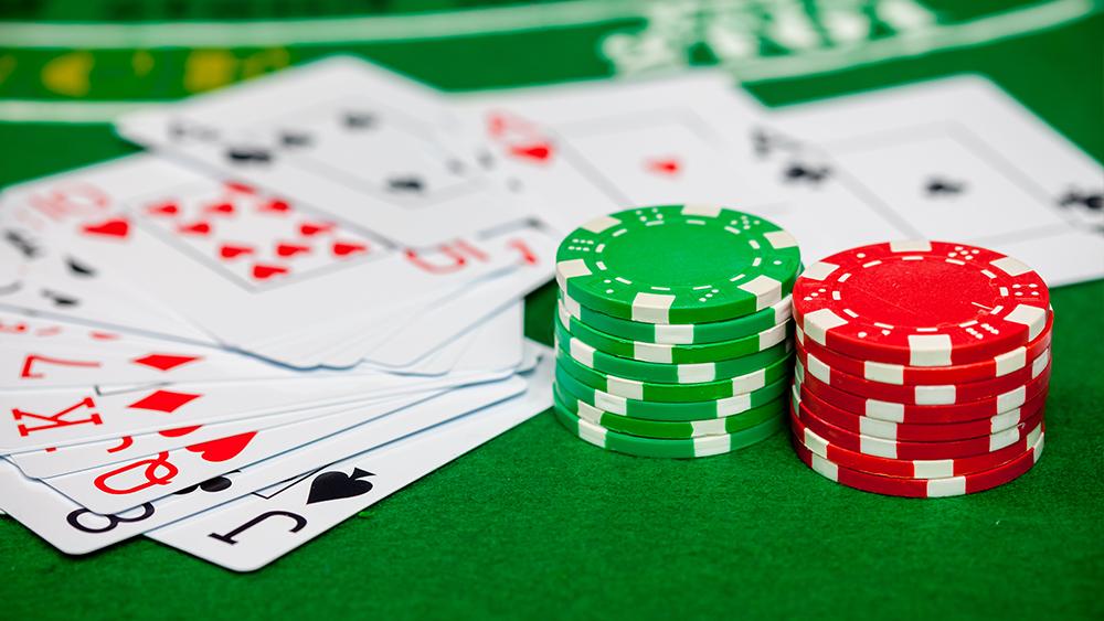 Играть в покер с бонусом в казино